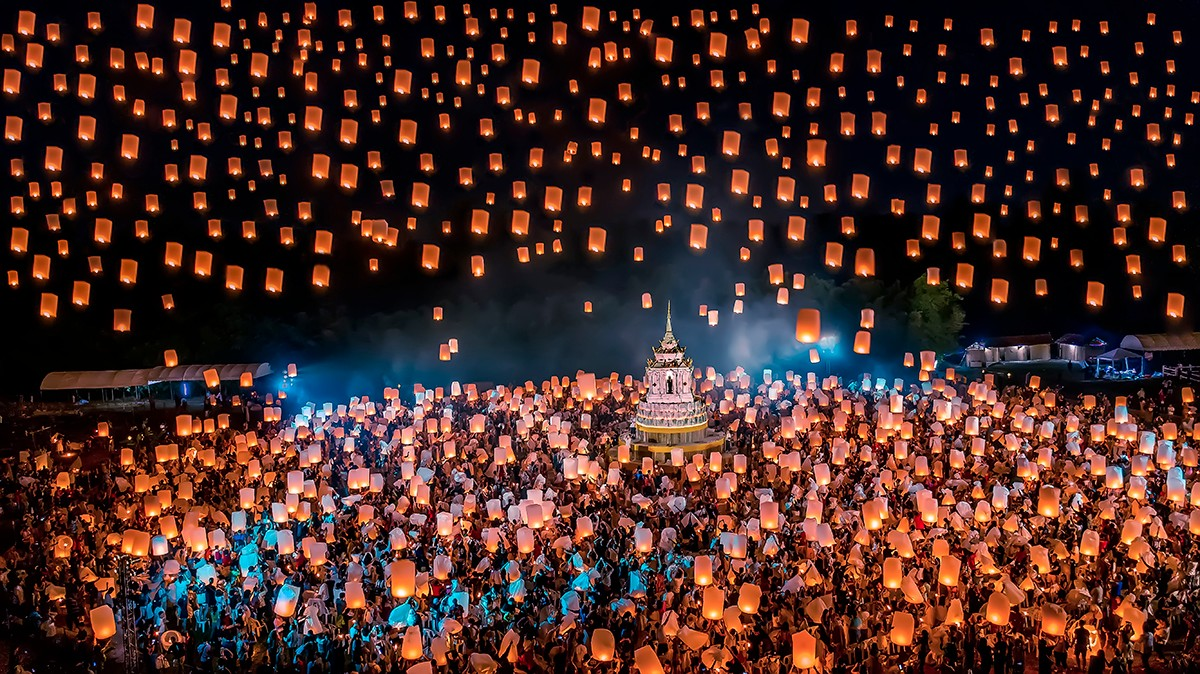 李晶+《灯的海洋》.jpg