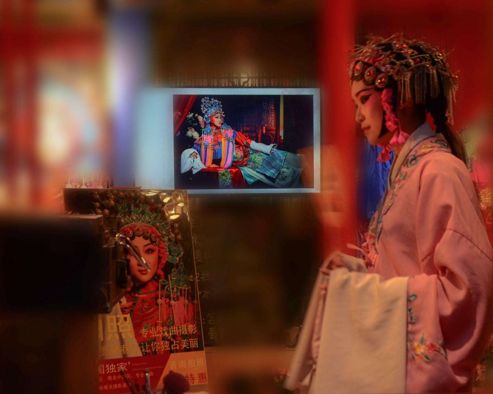 阳艳-《戏院招牌》DSC_3167.jpg